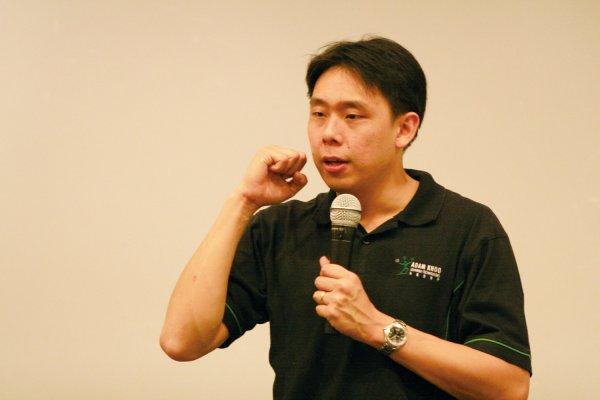 Trở thành thiên tài trong 10.000 giờ – Adam Khoo