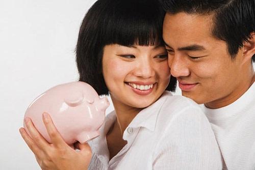 4 cách giúp các cặp đôi quản lý tiền bạc hiệu quả