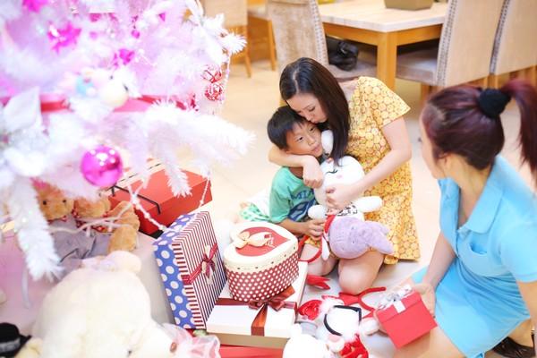 Giáng sinh ấm áp bên gia đình thân yêu