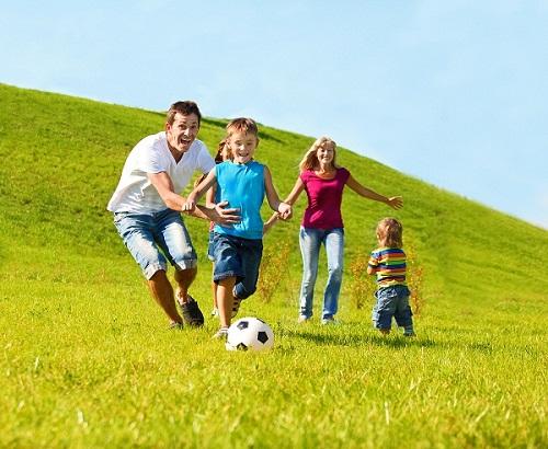 Cách yêu con của cha và mẹ khác nhau như thế nào?