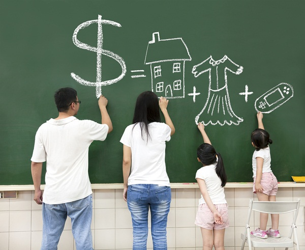 Tiết kiệm tiền bạc: Thảo luận với con bạn về chủ đề tài chính