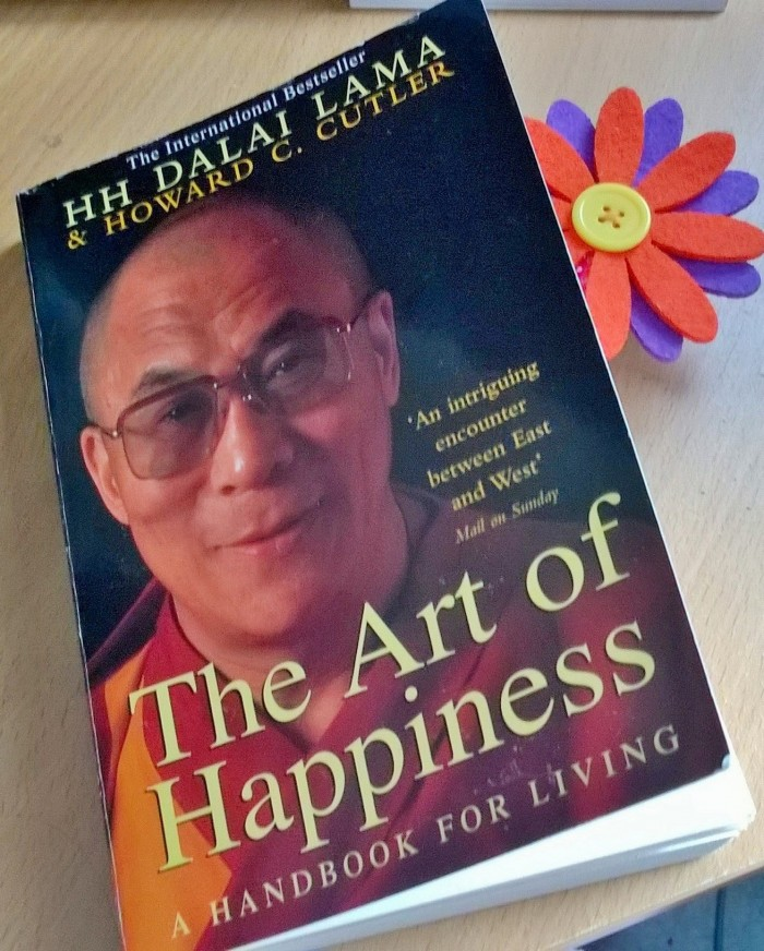 Cuốn sách truyền cảm hứng Nghệ thuật của Hạnh phúc