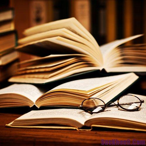 """Những Cuốn Sách """"Gối Đầu Giường"""" Của Doanh Nhân Việt"""