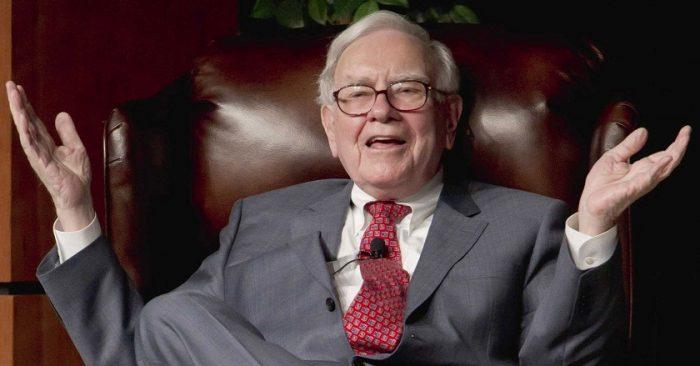 """Warren Buffett: Cách dạy con đơn giản nhất là """"không cho chúng tiền"""""""