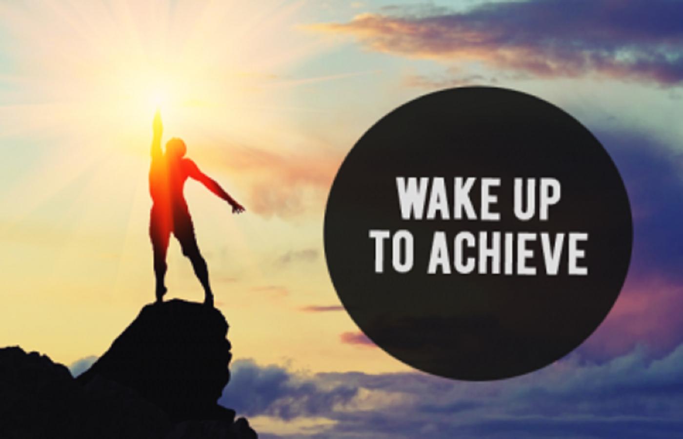 Vì sao người giàu lại luôn dậy sớm?