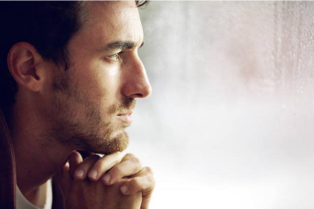 """""""Tôi 38 tuổi và chưa đạt được thành tựu nào trong cuộc sống. Vậy tôi có phải là một kẻ vô dụng không?"""""""