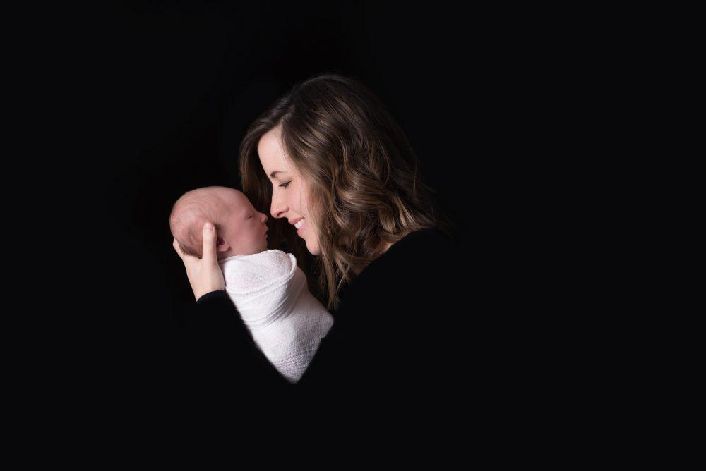 """Tình yêu kiểu """"bao bọc"""" thường tạo ra những con người """"vô ơn"""": Cách thương yêu đúng đắn nhất là nên """"bớt yêu đi"""""""