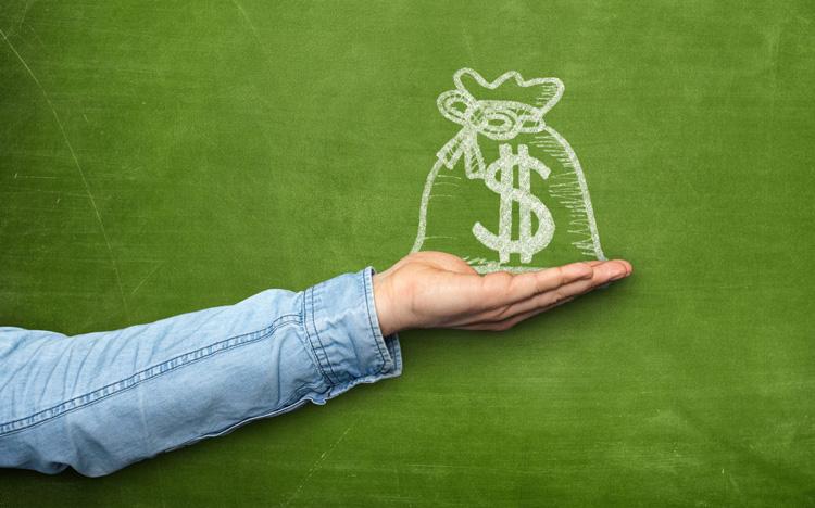 30 tuổi, không có tiền tiết kiệm, tôi sống trong nơm nớp lo sợ: Chúng ta cần có bao nhiêu tiền tiết kiệm để cảm thấy an toàn hơn?