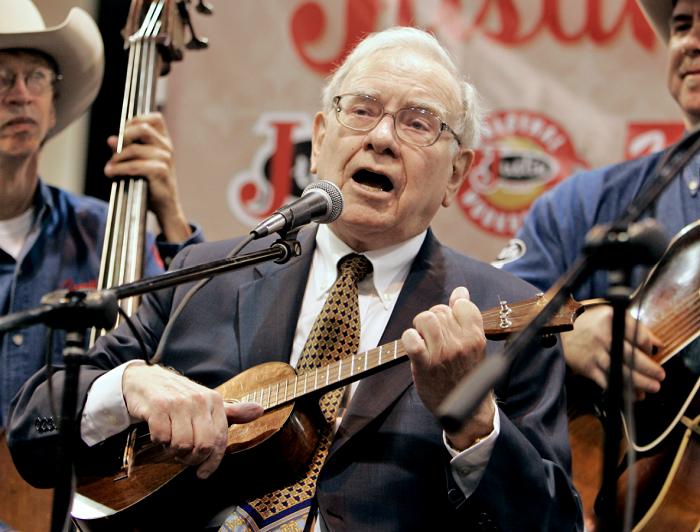 Tỷ phú Warren Buffett: Thước đo lớn nhất của thành công trong cuộc sống là gì?