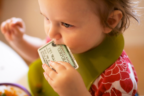 8 thói quen xấu về tiền bạc bạn đang dạy con mình