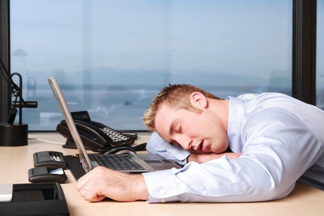 kinh nghiệm kinh doanh: Đừng làm start nếu không thức dậy trước 8 giờ