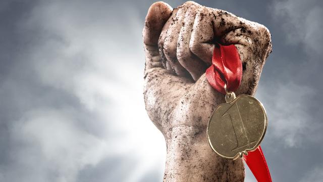 Người giàu có nhất thường là người vấp ngã nhiều nhất, muốn thành công đừng sợ khổ, bây giờ không khổ sau này sẽ càng khổ