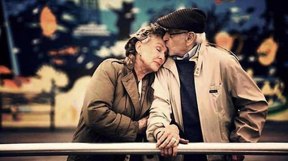 Tình yêu không quý ở say đắm, mà quý ở trách nhiệm