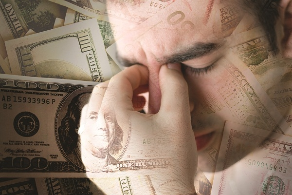 Vì sao đàn ông lại rất áp lực với việc kiếm tiền?