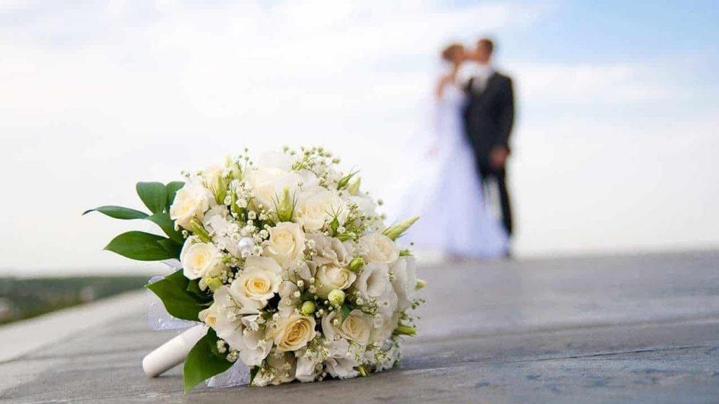 Nên kết hôn sớm vì nếu chọn sai thì vẫn còn kịp để chọn lại