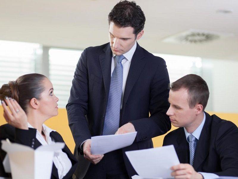 Làm thế nào để phê bình nhân viên đúng cách nhất