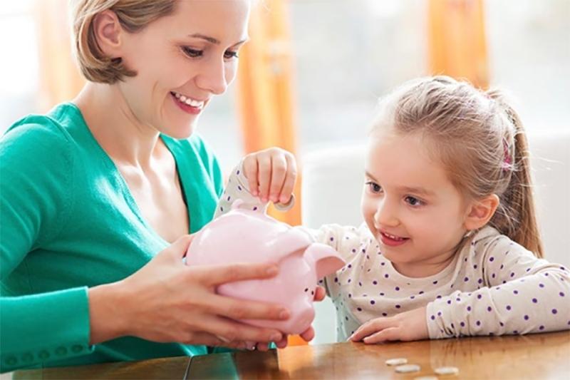 5 cái hại khi cho con cái tiêu tiền mà hầu hết bố mẹ đều mắc phải
