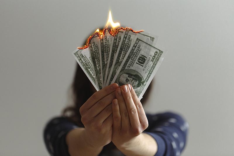 Một người không biết tự chủ về tiền bạc, tiết kiệm mọi cố gắng đều sẽ đều uổng phí!